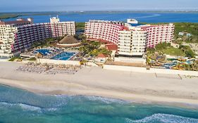 Crown Plaza Cancun
