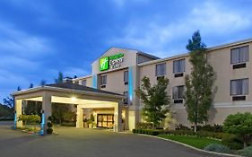 Holiday Inn Express Alliance Ohio