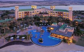 Sir Baniyas Island Resort