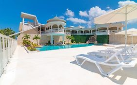 Negril Travellers Beach Resort