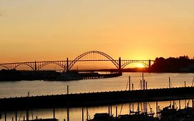 Embarcadero Newport Oregon