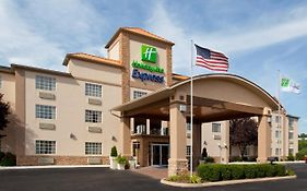 Holiday Inn Express Delmont Pa 2*