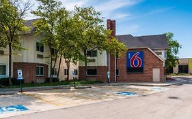 Motel 6 Chicago North Central Arlington Heights