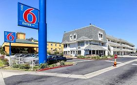 Oakland Airport Motel 6