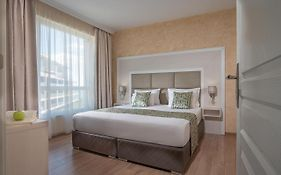 Marina Sands Bijou Boutique Is An Excellent Choice For Travelers Visiting Obzor photos Exterior