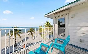 White Sand Cottage, 5 Bedrooms, Beach Front, Gulf View