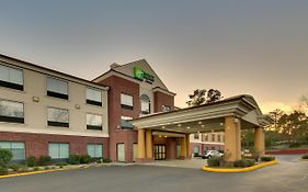 Holiday Inn Express in Laurel Ms