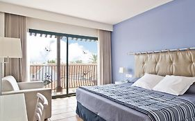Portaventura Hotel Roulette Theme Park Tickets Included