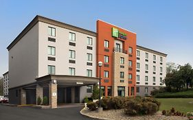Holiday Inn Express Saugus Mass