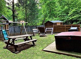 Cub Creek - Theater - Game Room - Private Yard - Hot Tub - Fire Pit photos Exterior