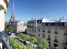 Outstanding 2 Bedrooms With A Terrific Eiffel Tower View photos Exterior