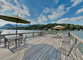 Brand-New Lakefront Retreat W/ Boathouse Home photos Exterior