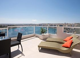 Seafront 3-Bedroom Penthouse With Jacuzzi photos Exterior