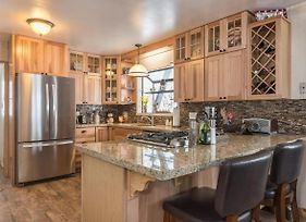 Tahoe Tyme Cabin Walking Distance To Town! photos Exterior