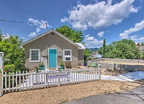 Private Solar Hill, Downtown Bristol Cottage! photos Exterior