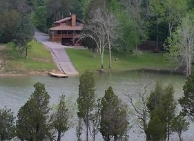 Free Xplorie Attractions Every Day! - Driftwood Log Cabin photos Exterior
