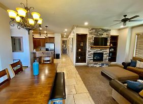 H4 Coral Springs Sleeps 8 Guests, 3 Bedrooms And 2 Bathrooms With An Outdoor Fireplace And Community Pool photos Exterior