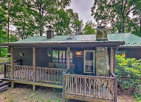 Quaint Cabin With Outdoor Fireplace And Sunroom! photos Exterior