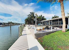 New Listing Canal Front Oasis W Pool & Boat Dock Home photos Exterior