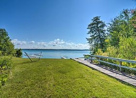 Torch Lake Home With 116Ft Of Blue Water Access photos Exterior