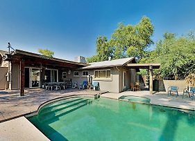 Minutes To Old Town, Heated Pool & Patio Stove! Home photos Exterior