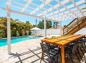 Poolside Palms Near Beach With Private Pool Home photos Exterior