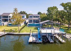 Luxury Lake Lbj House With Heated Swimming Pool And Spill Over Hot Tub And 2 Boat Slips photos Exterior