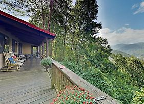 The Hawks Nest Offers The Best Views In The Valley Home photos Exterior