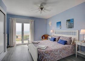 Your Vacation Retreat Right On The Beach photos Room