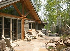 Tall Timbers Lodge By First Choice Property Management photos Room