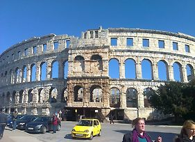 Apartment For Holidays In Pula photos Room