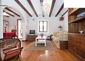 Quiet Apartment! Sagrada Familia! photos Room