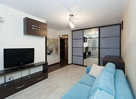 On Day Na Chelyuskintsev 14 One Bedroom Apartments photos Exterior