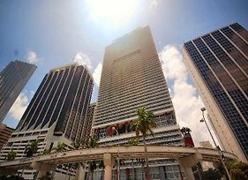 Luxury Apartments At 50 Biscayne photos Exterior