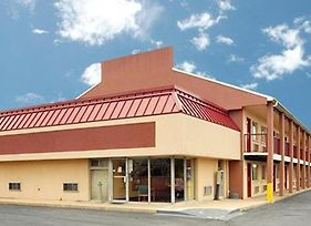 Econo Lodge Northeast photos Exterior
