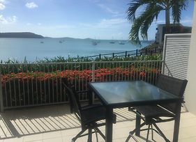 Absolute Waterfront 1 Bedroom Apartment photos Exterior