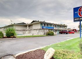Motel 6 Manhattan Kansas photos Exterior