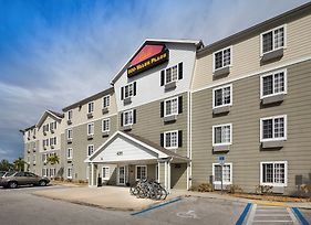 Woodspring Suites Fort Myers Southeast photos Exterior