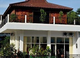 Malang Hill Gallery And Homestay photos Exterior