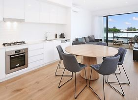 I See The Cbd Split Level Executive 3Br Townhouse Style Apartment With Views Of The Cbd photos Exterior