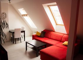 Stylish Attic In Prague - 10 Min To City Center photos Exterior