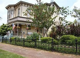 Roussell'S Garden Bed & Breakfast photos Exterior