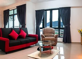 Lazy Traveler Suite By D Imperio Homestay photos Exterior