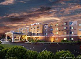 Courtyard By Marriott Fayetteville photos Exterior