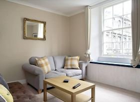 Central 2 Bedroom Flat Accommodates 6 photos Exterior