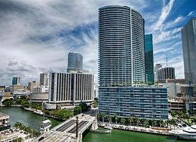 Luxury 5-Star Condo @39Th Floor In Icon Brickell 2B/2B photos Exterior
