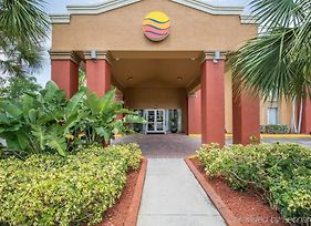 Comfort Inn & Suites Fort Lauderdale West Turnpike photos Exterior