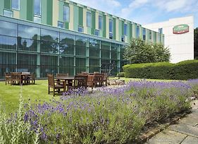 Courtyard By Marriott London Gatwick Airport photos Exterior
