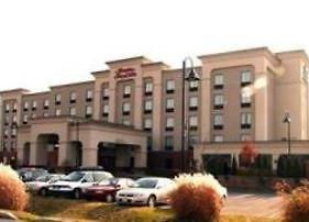 Hampton Inn & Suites Laval Quebec Canada photos Exterior
