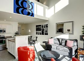 Belltown Court Loft Penthouse One Bedroom Apartment With Balcony photos Exterior